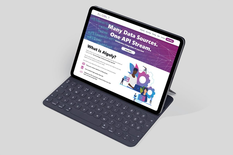 ipad-screen-mockup-with-keyboard